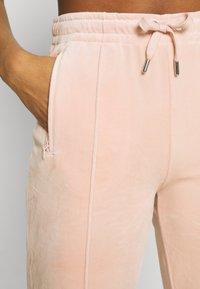 Juicy Couture - TINA - Trainingsbroek - pale pink - 6