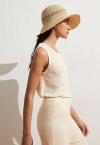 OYSHO - Hat - beige - 0