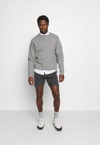 Teddy Smith - MICKAEL - Pantalon de survêtement - melange black - 1