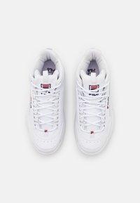 Fila - DISRUPTOR MID - Höga sneakers - white - 5