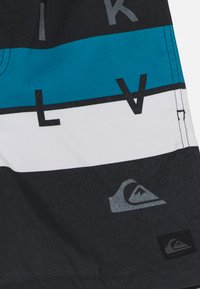 Quiksilver - WORD BLOCK VOLLEY YOUTH - Swimming shorts - black - 2