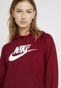 Nike Sportswear - HOODIE - Sweat à capuche - team red/white - 4