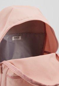 adidas Originals - CLASS - Batoh - pink - 4