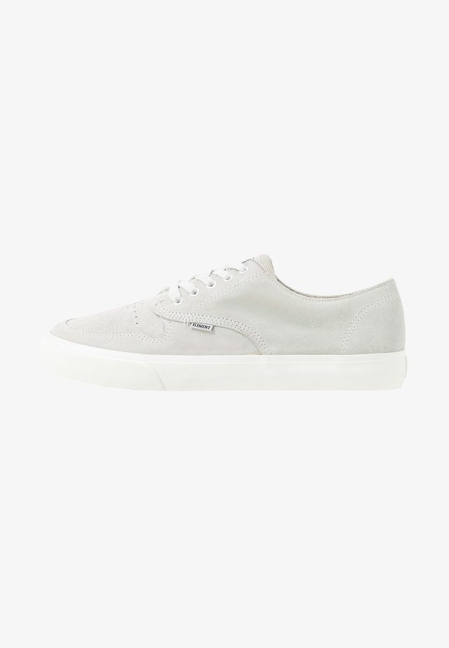TOPAZ - Chaussures de skate - washed white