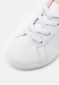 Lacoste - GRADUATE - Trainers - white/light pink - 5