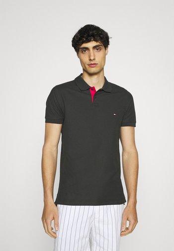 CONTRAST PLACKET SLIM  - Poloshirt - black