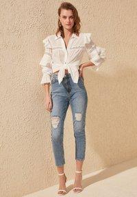 Trendyol - Slim fit jeans - blue - 0
