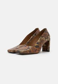MIISTA - ALICJA AUBURN  - High heels - multicolor - 2