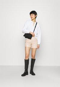 ALIGNE - CAGNEY  - Shorts - buttermilk - 1