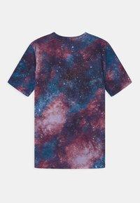 Abercrombie & Fitch - HIKE BEAST TECH LOGO - T-shirts print - multi-coloured - 1