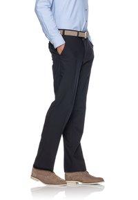 BRAX - JAN  HERRENHOSE FLATFRONT - Suit trousers - dark blue - 2