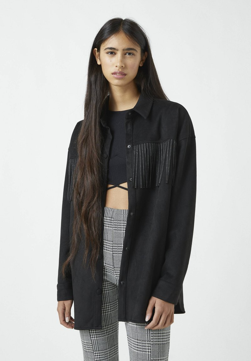 PULL&BEAR - MIT NIETEN UND FRANSEN - Button-down blouse - mottled black