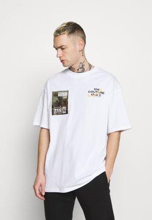 OVERSIZED FIT - T-shirt print - white