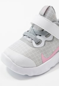 Nike Sportswear - EXPLORE STRADA - Trainers - white/pink/light smoke grey - 2