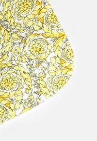Versace - OUTDOOR BLANKET PLAIN  BAROQUE KIDS MEDUS - Couverture pour bébé - white/gold - 2