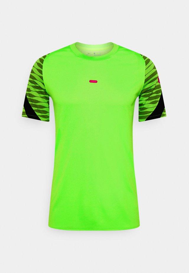DRY STRIKE 21 - T-shirt z nadrukiem - green strike/black/siren red