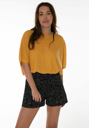 OSH  - Shorts - true black