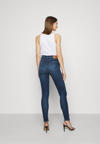 Tommy Jeans - SYLVIA CE 133 MID BLUE STRETCH - Jeans Skinny Fit - mid blue - 2