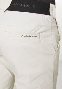 Peak Performance - PLAYER PANT - Trousers - dwell beige - 5