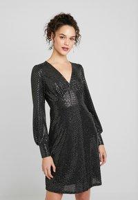 Vero Moda - VMDARLING SHORT DRESS - Jerseykjole - black/silver - 0