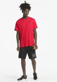 Puma - GRAPHIC  - Print T-shirt - poppy red - 1