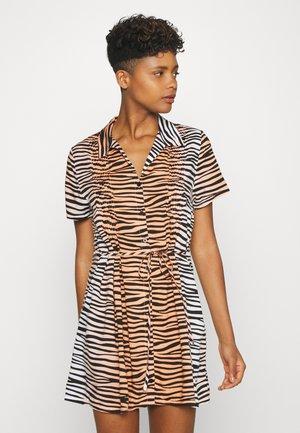 Košilové šaty - apricot
