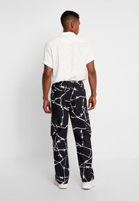 Jaded London - WIRE PRINT TROUSERS - Cargobroek - black - 2