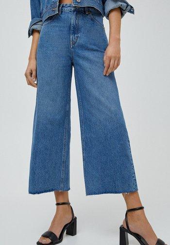CULOTTE - Flared Jeans - blue