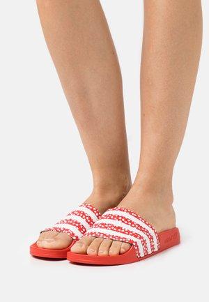 ADILETTE  - Pantofle - white