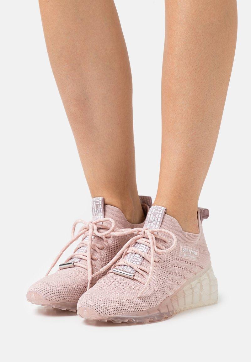 Steve Madden - CELLO - Sneakers laag - blush