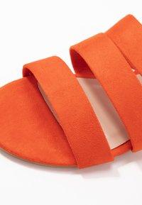 Dorothy Perkins Wide Fit - WIDE FIT FOREVER  - Pantofle - orange - 2