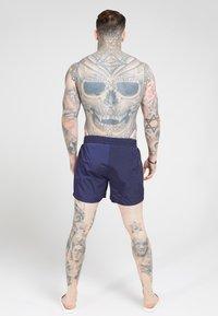 SIKSILK - CRUSHED TAPE - Shorts - navy/gold - 2