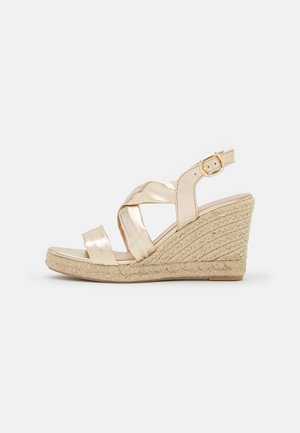 LUIRA - Sandály na platformě - gold