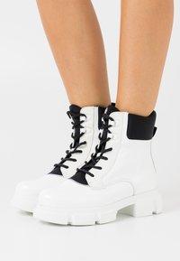 Joshua Sanders - VELAR BOOT - Platform ankle boots - white - 0