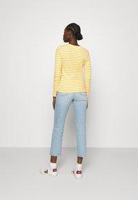 Selected Femme - SLFANNA CREW NECK TEE - Long sleeved top - citrus/snow white - 2