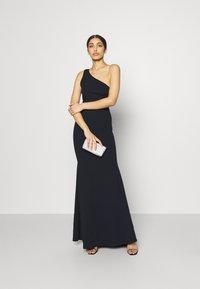 Missguided - ONE SHOULDER TWIST BRIDESMAID DRESS - Suknia balowa - navy - 1