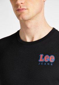 Lee - CHEST LOGO  - Print T-shirt - black - 4