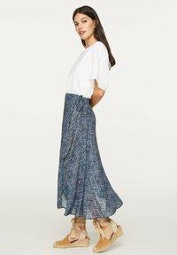 OYSHO - LILAC FLORAL SARONG SKIRT - A-line skirt - dark blue - 2