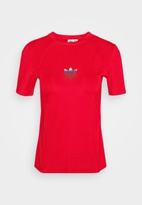 adidas Originals - SLIM SHORT SLEEVE TEE - T-shirt z nadrukiem - scarlet - 4