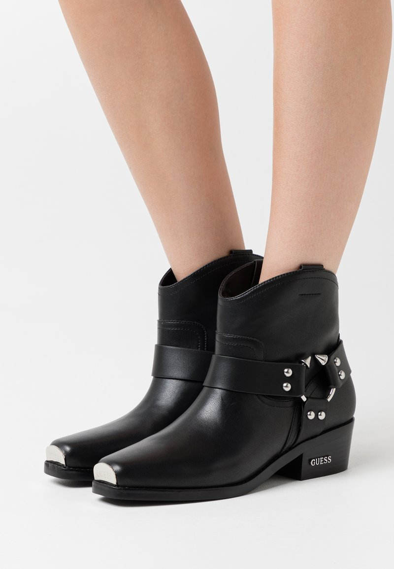 Guess - FULVIA - Cowboy/biker ankle boot - black