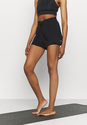 DOUBLE LAYER PETAL HEM SHORT - Pantalón corto de deporte - black