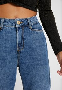 Noisy May Petite - NMMIA HEAT - Jeans Straight Leg - medium blue denim - 6