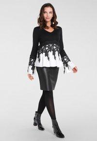 Apart - 2IN1 - Pullover - schwarz - 1