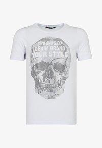Cipo & Baxx - MIT PAILLETTEN TOTENKOPF PRINT - Print T-shirt - weiss - 5
