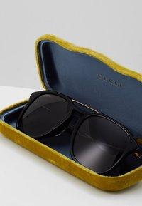 Gucci - Sunglasses - black/gold/grey - 2