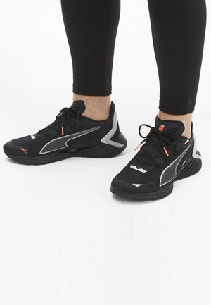 Scarpe running neutre - puma black-metallic silver