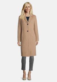 Gil Bret - MIT EINGRIFFTASCHEN - Classic coat - braun - 1
