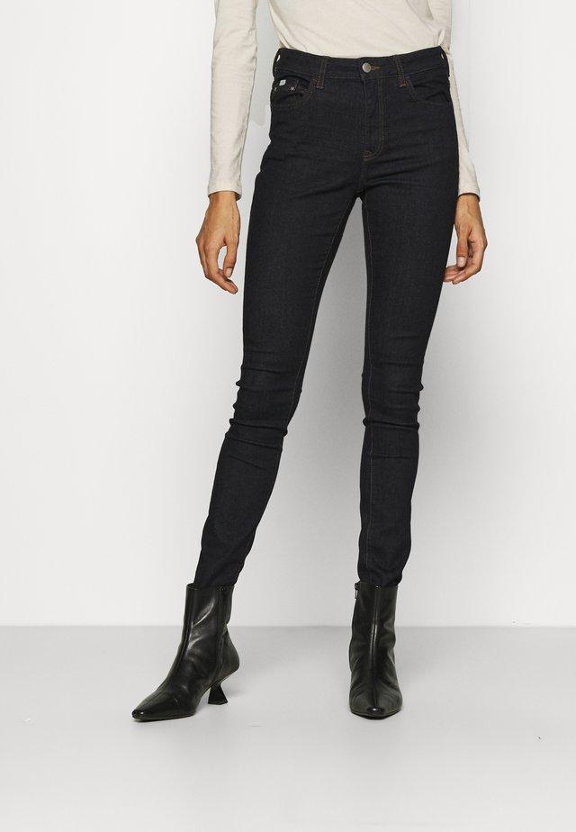 Skinny džíny - blue rinse