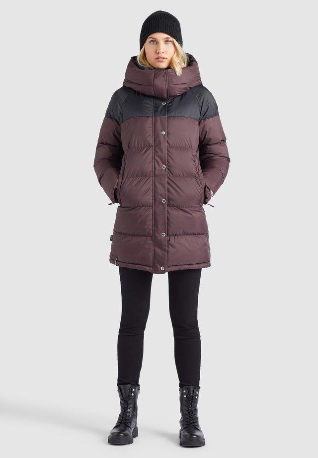 GERALDINE - Winter coat - weinrot print