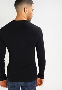 Tommy Jeans - ORIGINAL SLIM FIT - Long sleeved top - black - 2